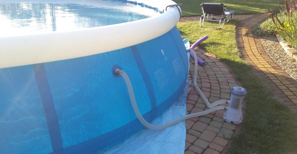 Pompa służąca do uzdatniania wody w basenie